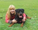 Chien Beau portrait de Karmen avec Elena - Rottweiler  (0 mois)